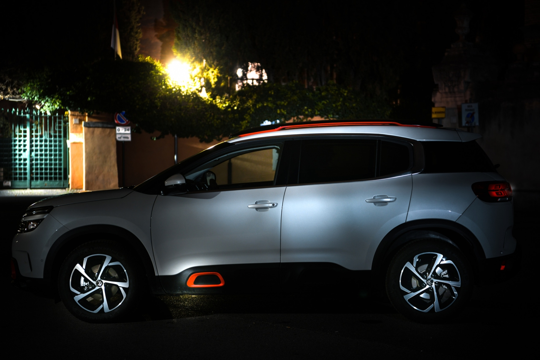 LR5_EDIT-EXPORT_CITROEN-C5-AIRCROSS_overall-19