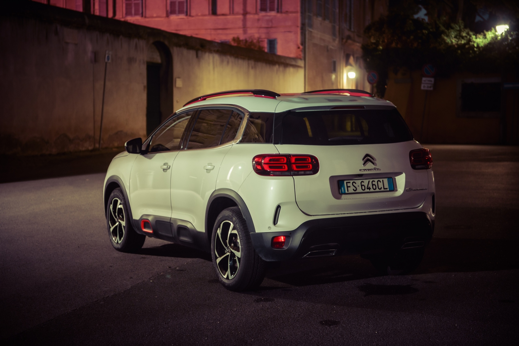 LR5_EDIT-EXPORT_CITROEN-C5-AIRCROSS_overall-26