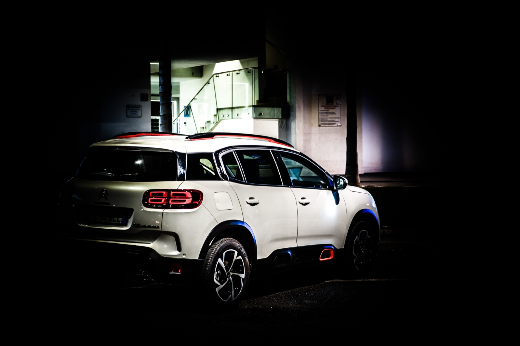 LR5_EDIT-EXPORT_CITROEN-C5-AIRCROSS_overall-37