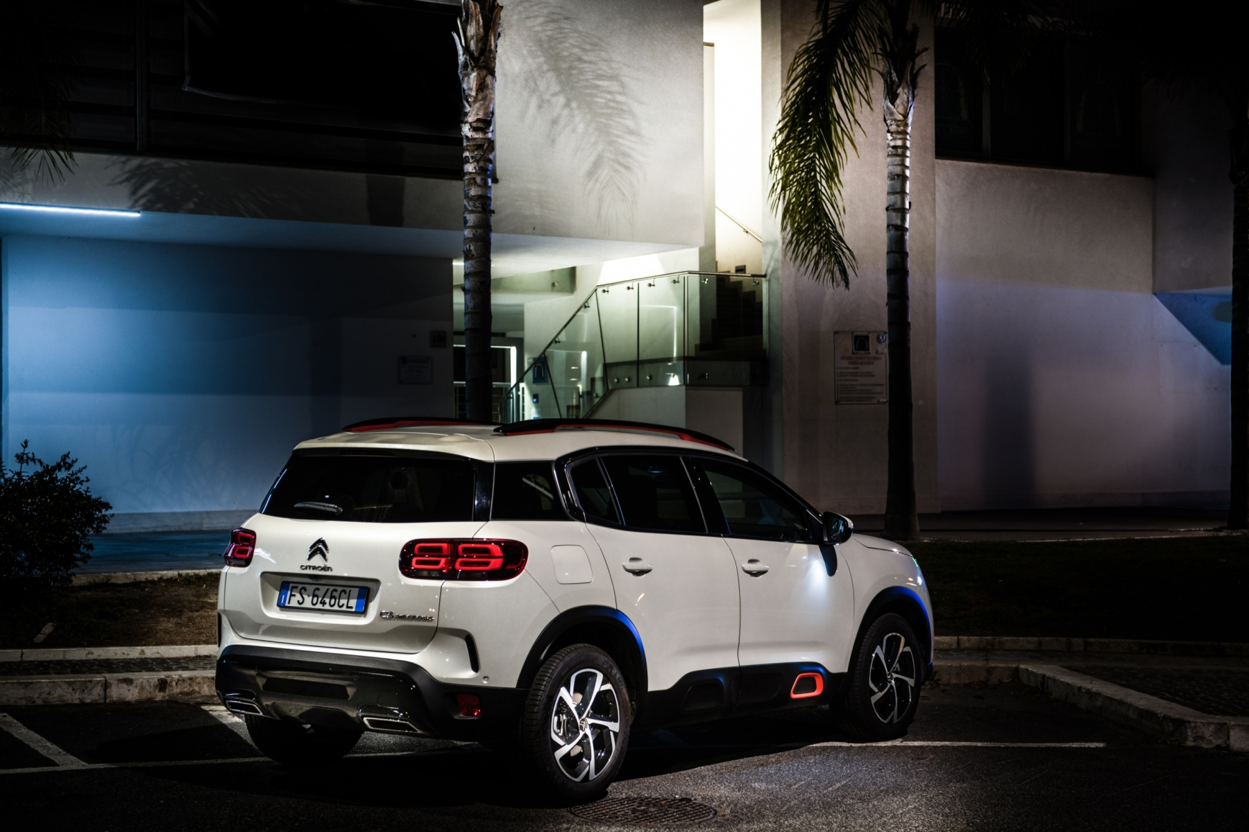 LR5_EDIT-EXPORT_CITROEN-C5-AIRCROSS_overall-38