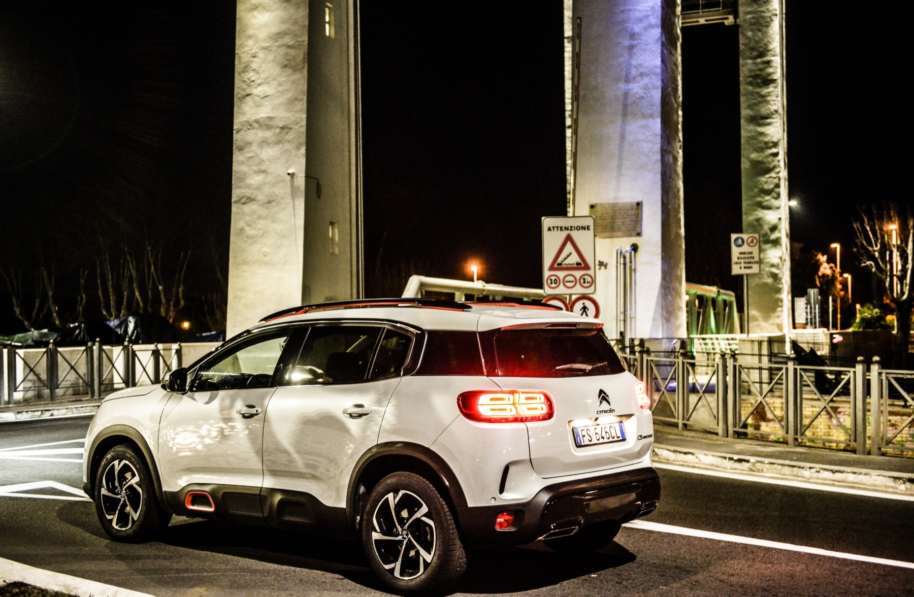 LR5_EDIT-EXPORT_CITROEN-C5-AIRCROSS_overall-47