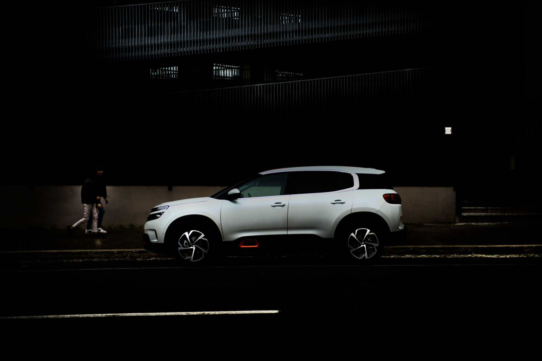 LR5_EDIT-EXPORT_CITROEN-C5-AIRCROSS_overall-63