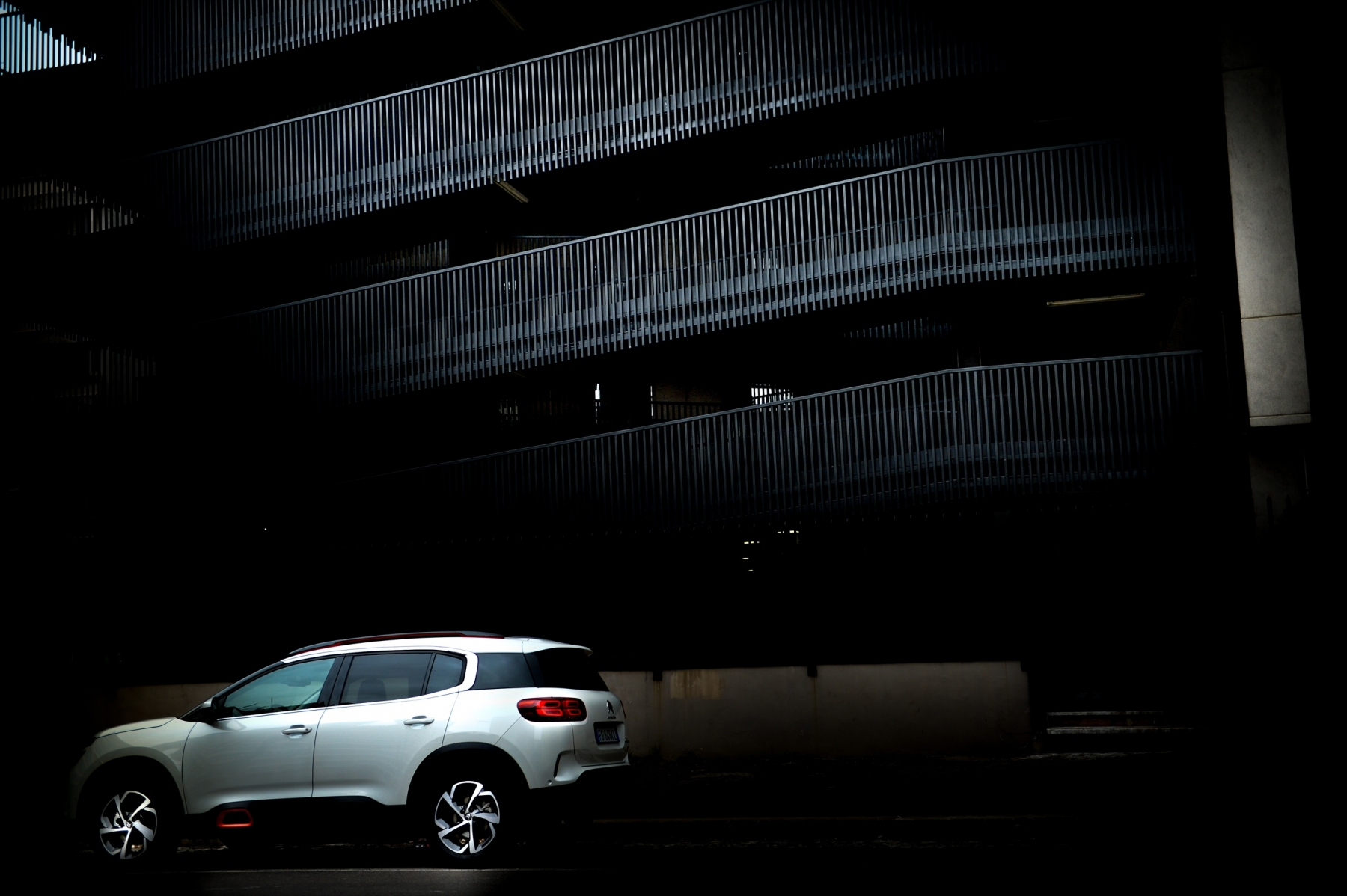 LR5_EDIT-EXPORT_CITROEN-C5-AIRCROSS_overall-65