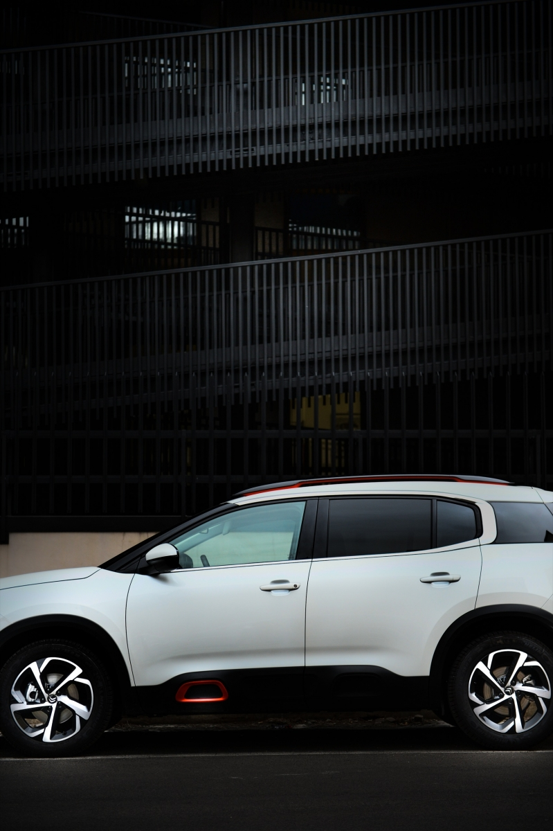 LR5_EDIT-EXPORT_CITROEN-C5-AIRCROSS_overall-66