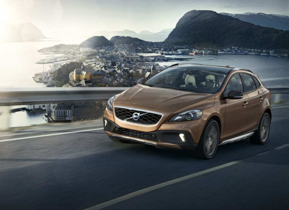VOLVO V40 CROSS COUNTRY @drivelife.it magazine on line