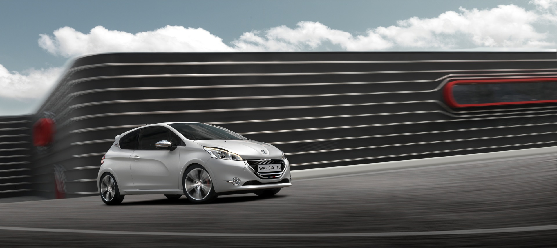 PEUGEOT 208 GTi @ drivelife.it magazine on line