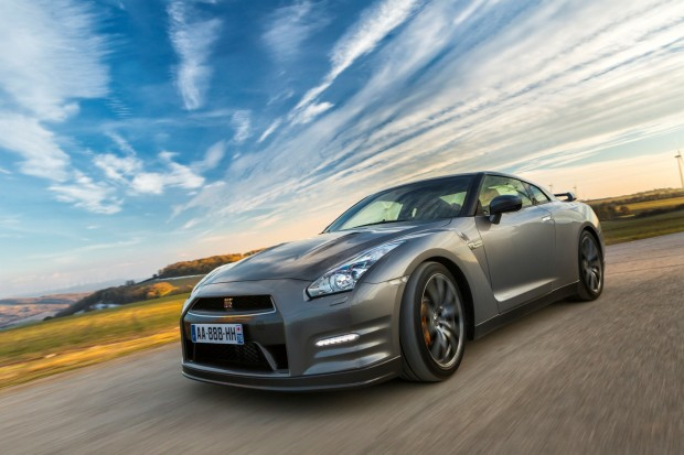 DRIVELIFE_NISSAN-GT-R_2013