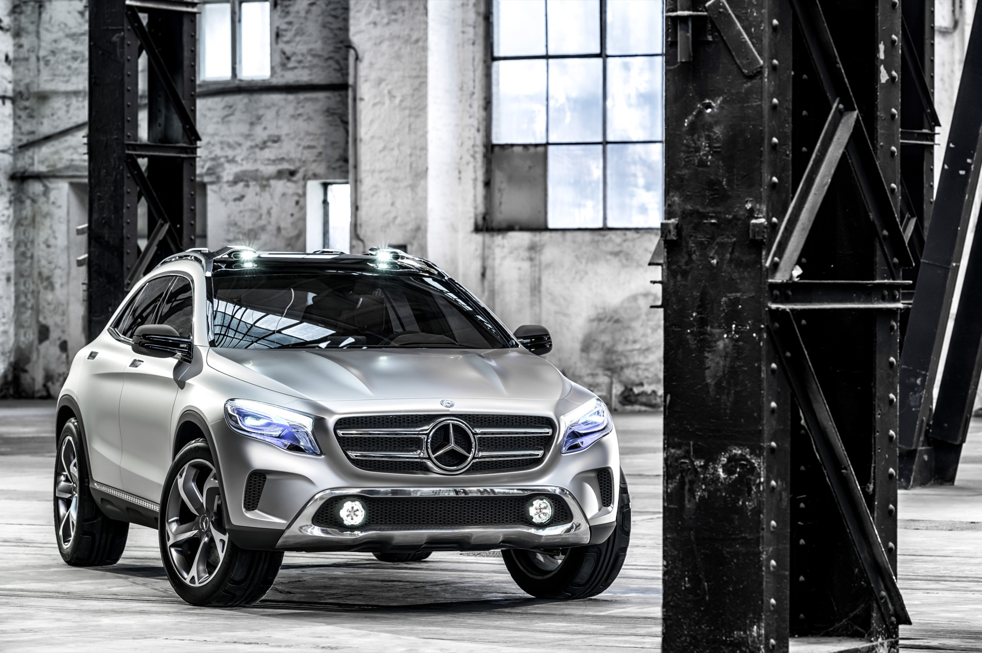 Mercedes-Benz GLA Showcar