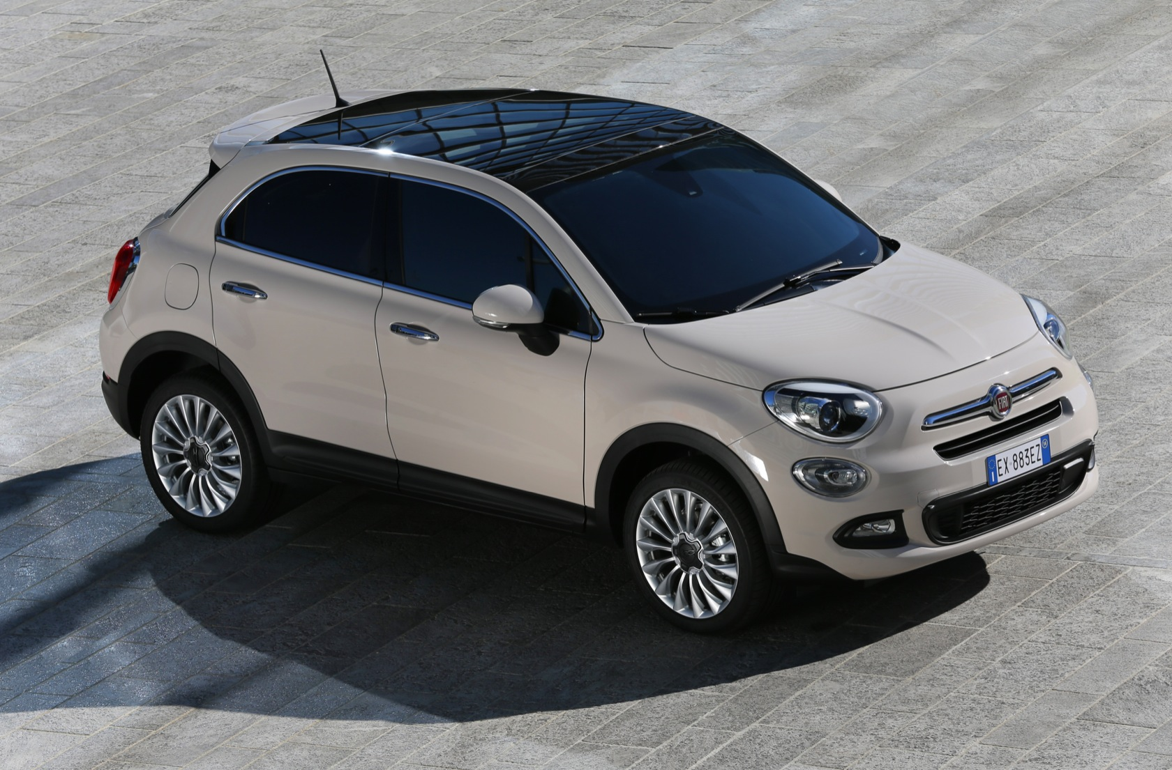 81 fiat 500x lounge drivelife. Black Bedroom Furniture Sets. Home Design Ideas