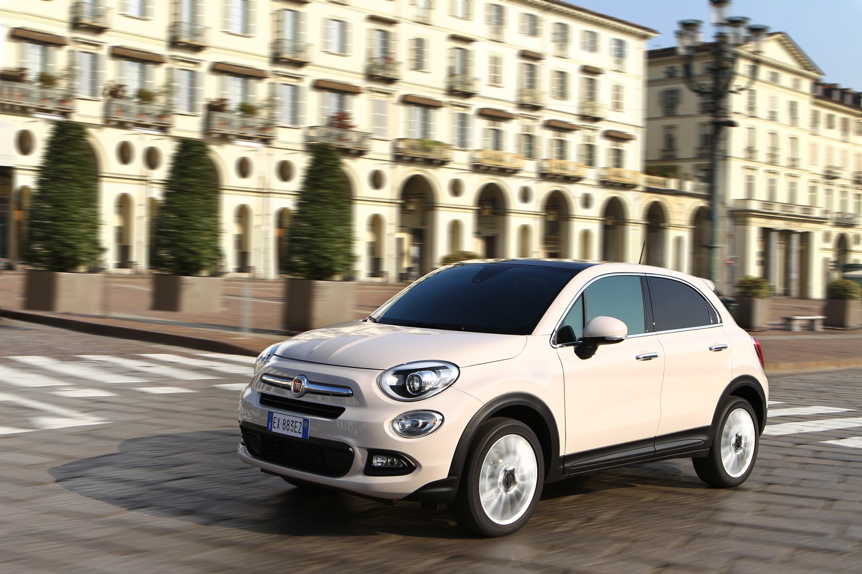 87 fiat 500x lounge drivelife. Black Bedroom Furniture Sets. Home Design Ideas