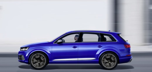 AUDI SQ7- Colour: Sepang Blue