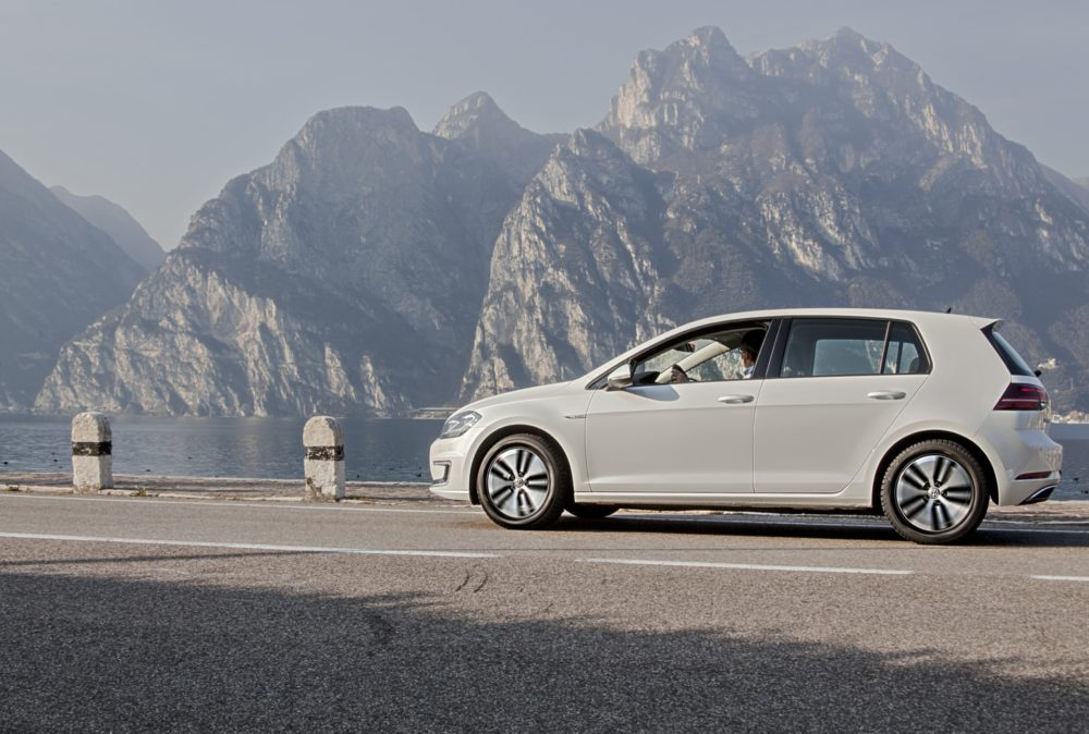 "2.12. IN TV - VOLKSWAGEN e-GOLF - 1/MEDIA DRIVE RIVA DEL GARDA, VOLKSWAGEN e-GOLF, 02'45""@02'15"" - 2/MEDIA DRIVE RIVA DEL GARDA, VOLKSWAGEN e-GOLF, 02'07""@05'10"" -"